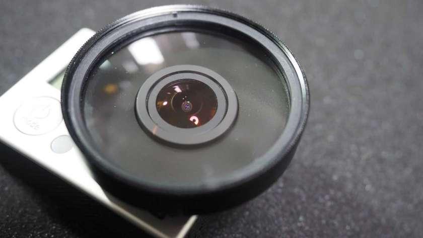 GoPro に 52mm レンズを取り付けた様子。