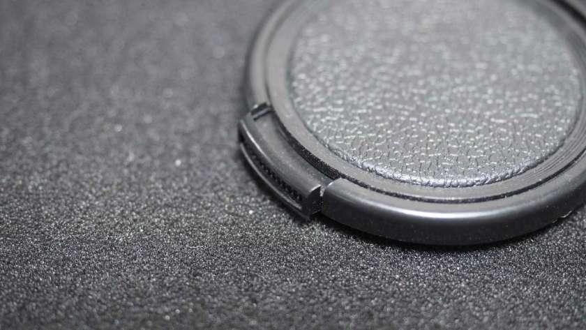 GoPro に取り付けるレンズアダプタに付属したレンズキャップ。